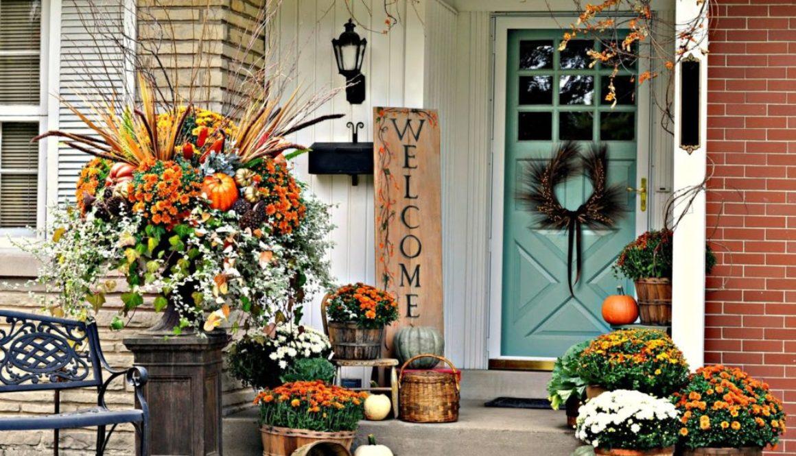 Fall-porch-outdoor-decorating-idea-simple-harvest-baskets-pumpkins-mums-bittersweet